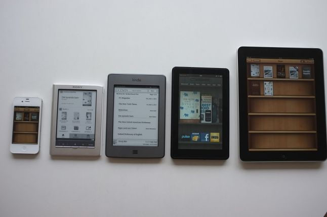 1024px-EReading_devices